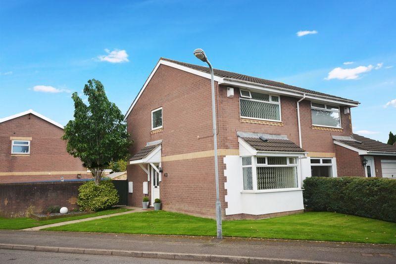 2 Bedrooms Semi Detached House for sale in Powderham Drive, Grangetown, Cardiff
