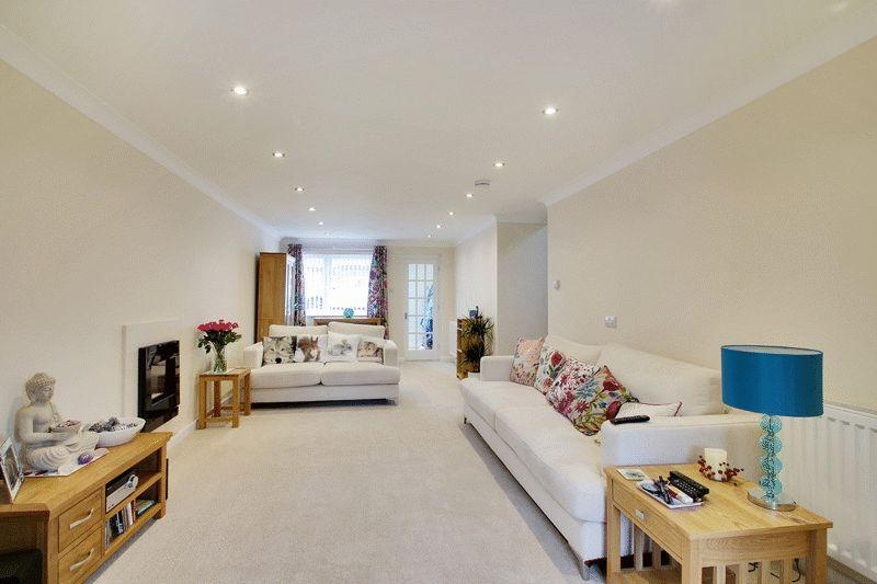 3 Bedrooms Detached House for sale in Hazelwood Road, Partridge Green