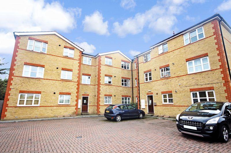 1 Bedroom Flat for sale in Little Queen Street, Dartford
