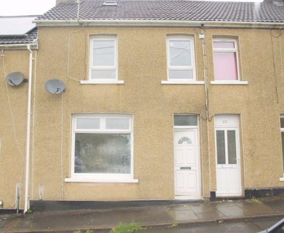 2 Bedrooms Terraced House for sale in Lewis Street, Crumlin, NP11 5EF