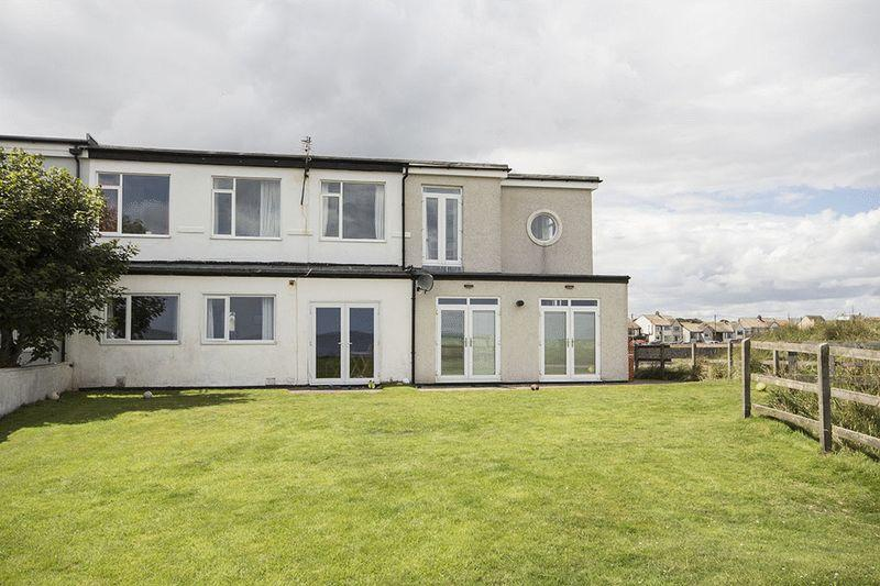 2 Bedrooms Apartment Flat for sale in Harbour Road, Chathill