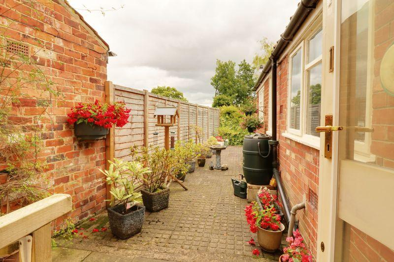 2 Bedrooms Terraced House for sale in Burgate, Barton-Upon-Humber