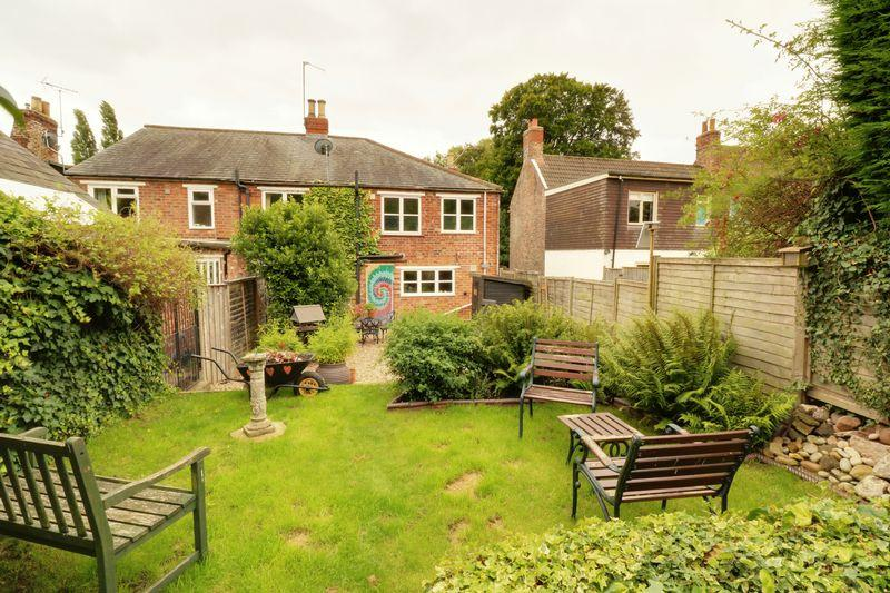 2 Bedrooms Cottage House for sale in High Street, Barrow-Upon-Humber