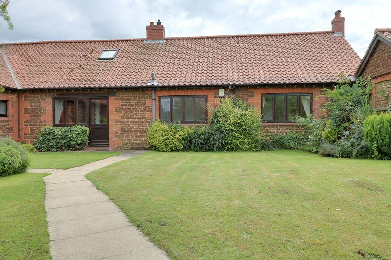 3 Bedrooms Cottage House for sale in Old Estate Yard, Normanby