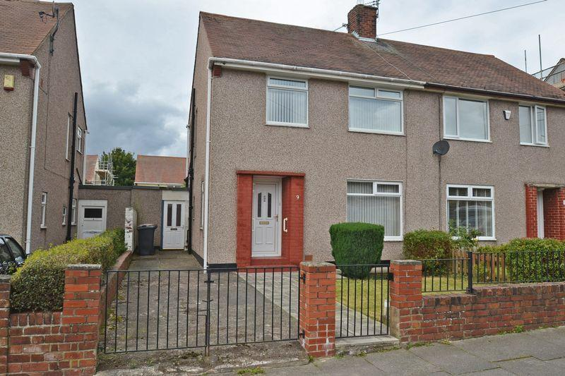 3 Bedrooms Semi Detached House for sale in Wark Avenue, North Shields