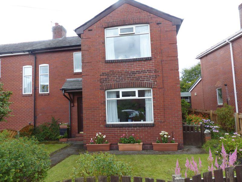 3 Bedrooms Semi Detached House for sale in Princess Road, Shaw