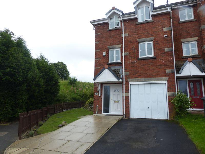 4 Bedrooms Mews House for sale in Oakley Drive, Moorside