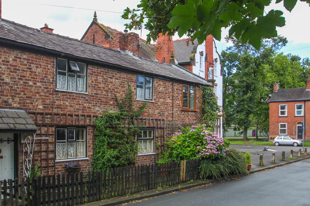 1 Bedroom Cottage House for sale in Pennybridge Lane, Urmston, Manchester, M41