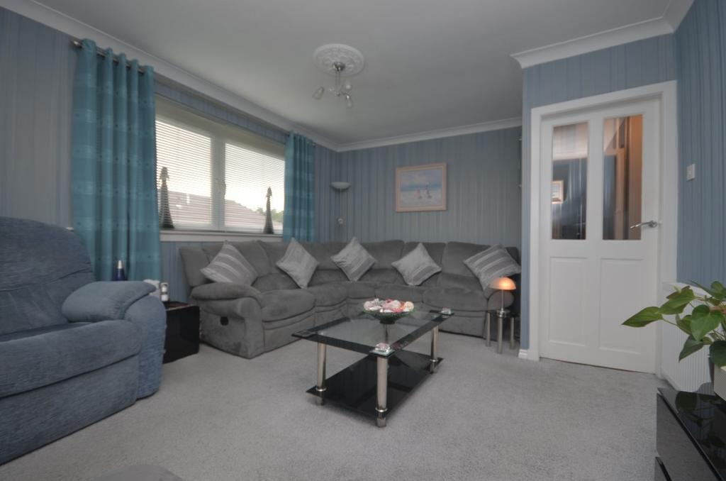 3 Bedrooms Flat for sale in Rosneath Drive, Helensburgh, Argyll and Bute , G84 8DP