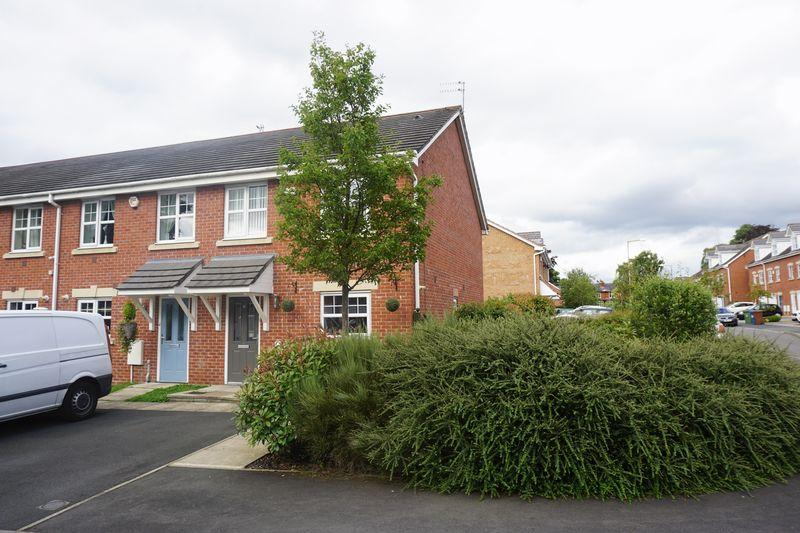 3 Bedrooms Terraced House for sale in Scholars Drive, Cheadle Heath