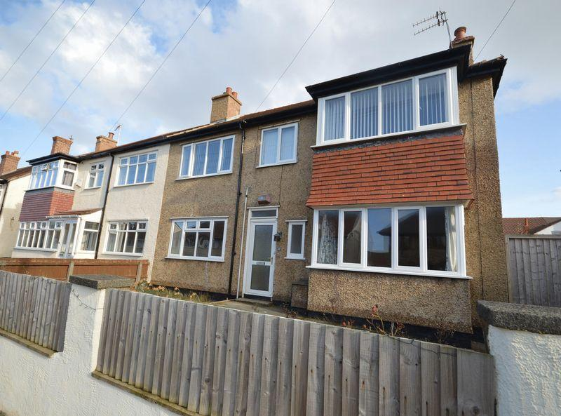 2 Bedrooms Terraced House for sale in 24 Avondale Road, Hoylake