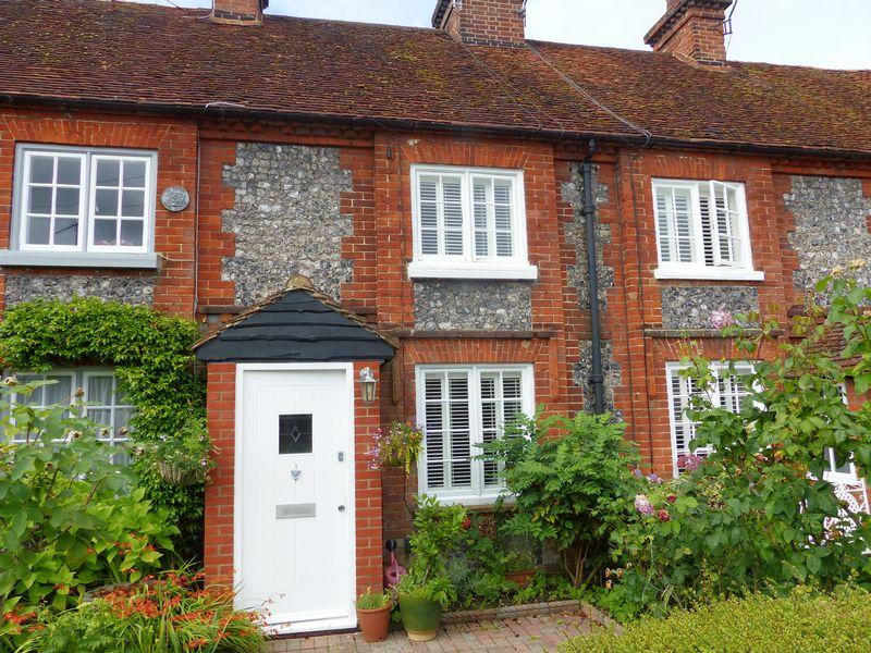 3 Bedrooms Terraced House for sale in Mill Road, Marlow