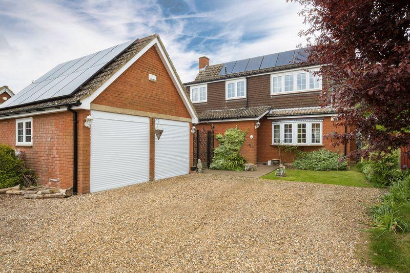 4 Bedrooms Detached House for sale in Church Walk, Eggington