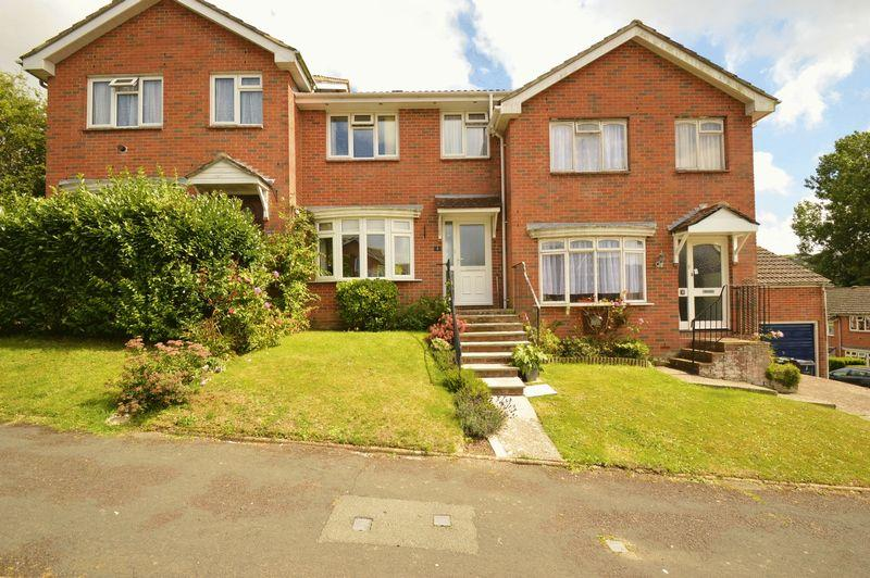 3 Bedrooms Terraced House for sale in WROXALL