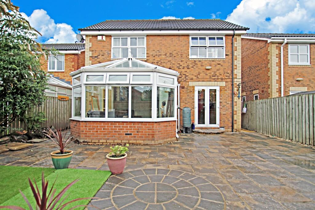 4 Bedrooms Detached House for sale in Greenwood Avenue, Balby, Doncaster