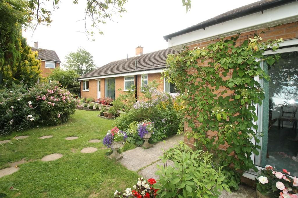 3 Bedrooms Detached Bungalow for sale in Cairn Wood, Heads Nook, Brampton