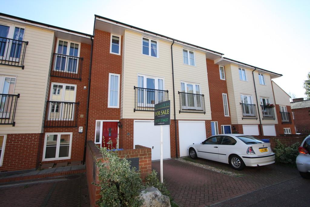 4 Bedrooms Terraced House for sale in Priory Walk, Sudbury