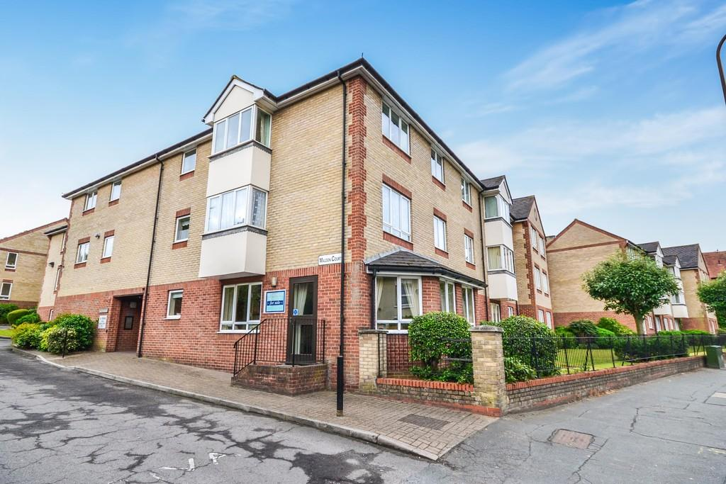 1 Bedroom Flat for sale in Maldon Road, Colchester CO3 3AH