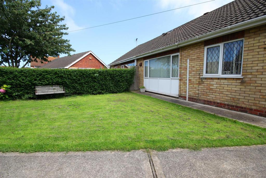 2 Bedrooms Semi Detached Bungalow for sale in Elm Avenue, Mablethorpe