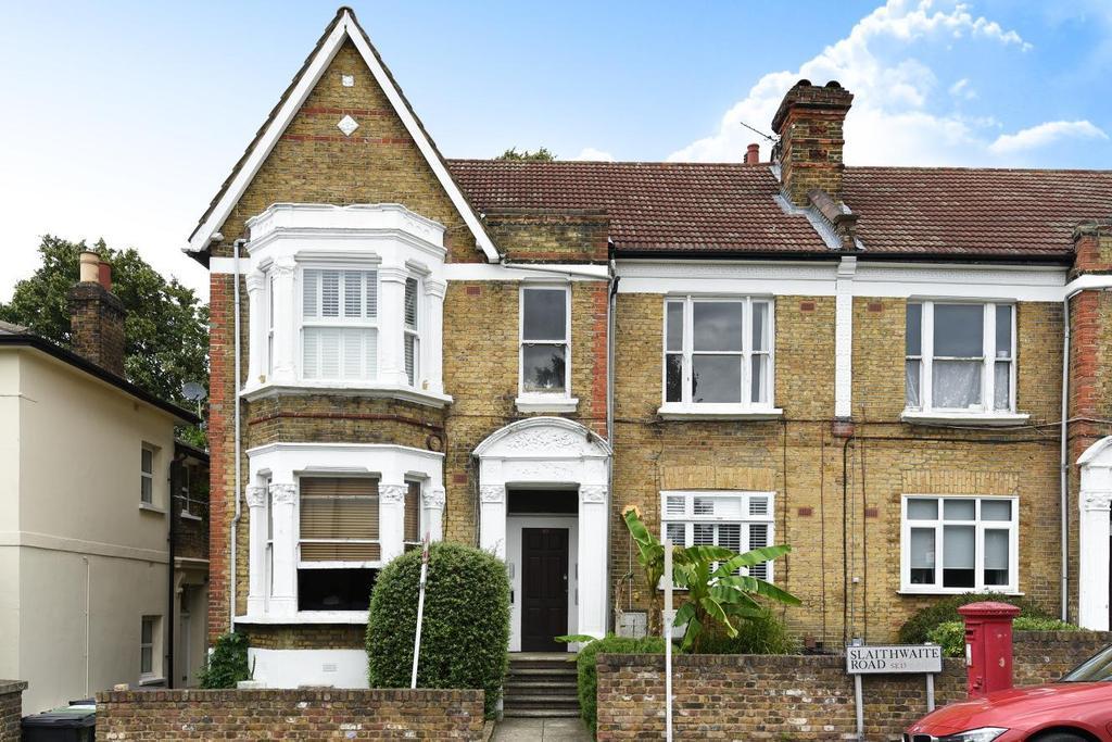 2 Bedrooms Flat for sale in Slaithwaite Road, Lewisham