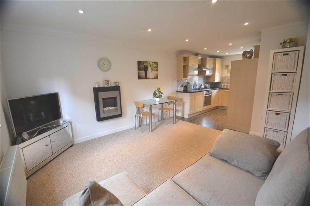 2 Bedrooms Flat for sale in Bronte Court, Borehamwood