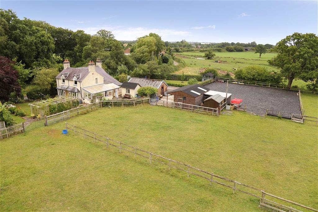 3 Bedrooms Detached House for sale in Steel Heath, Whitchurch, SY13