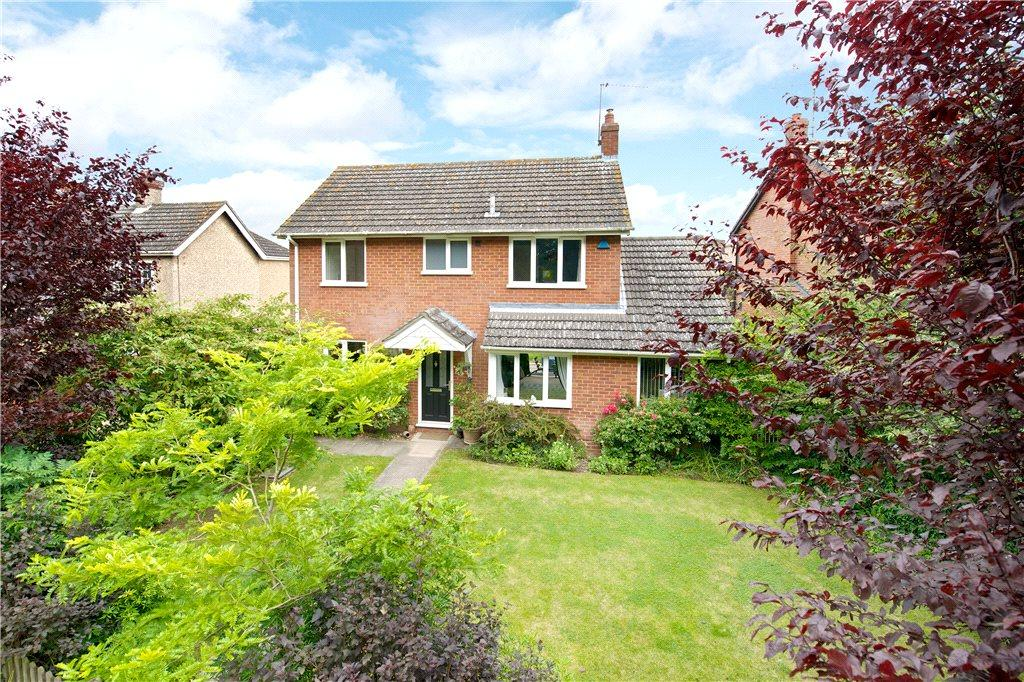 3 Bedrooms Detached House for sale in Violets Close, North Crawley, Newport Pagnell, Buckinghamshire