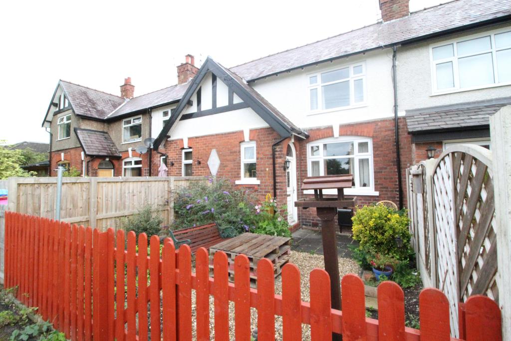 2 Bedrooms Cottage House for sale in POYNTON ( GEORGES ROAD EAST )