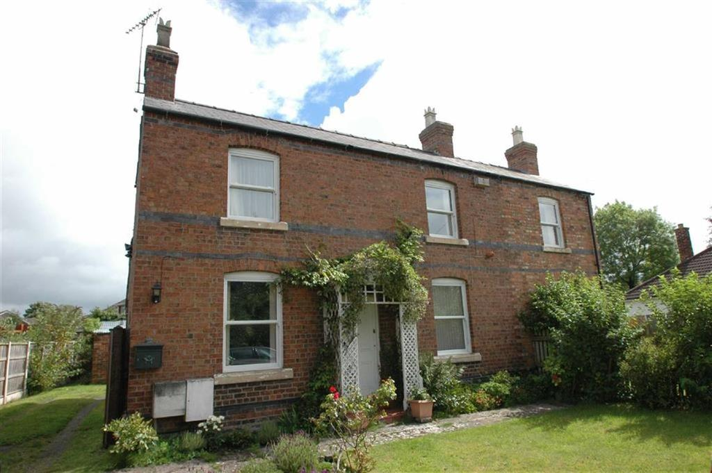 3 Bedrooms Detached House for sale in Moor Lane, Rowton, Chester