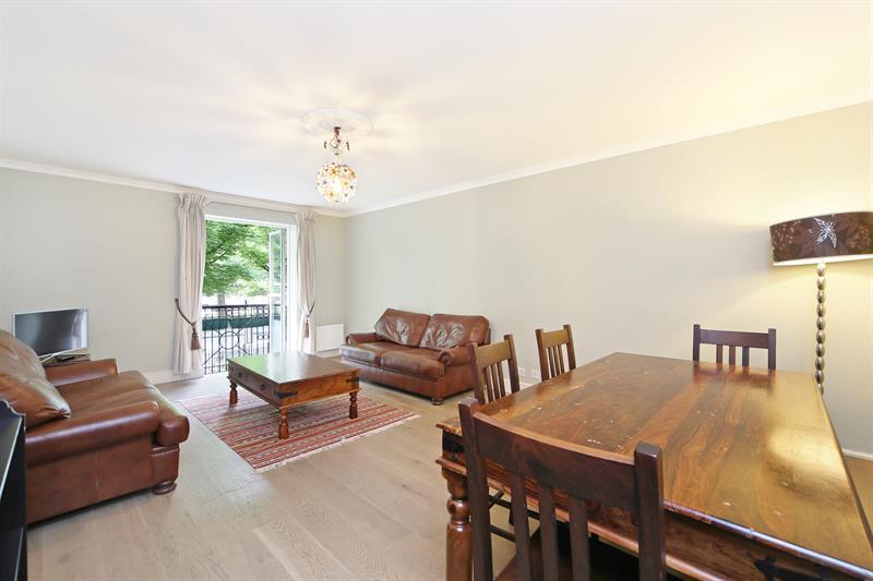 2 Bedrooms Apartment Flat for sale in Bishops Bridge Road, London