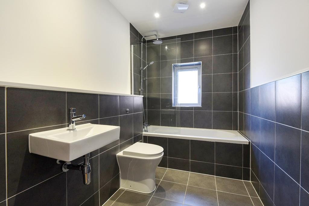 2 Bedrooms Bungalow for sale in Green Lane London SE9