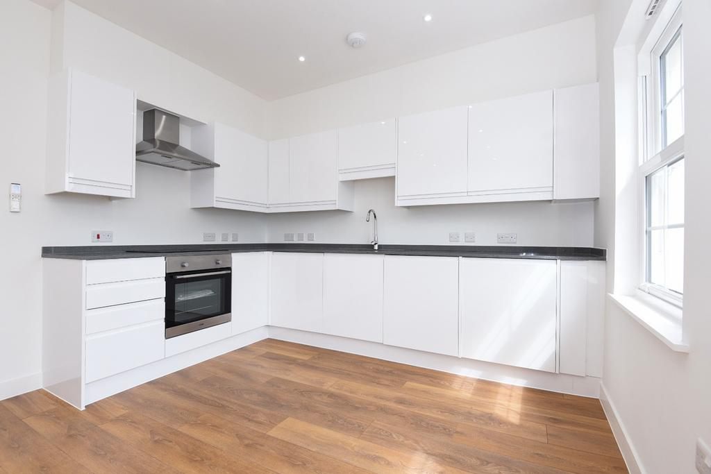 2 Bedrooms Flat for sale in Green Lane London SE9
