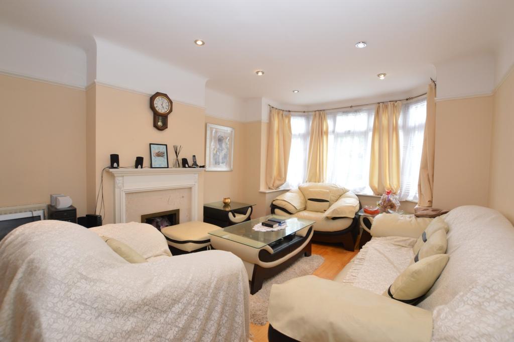 3 Bedrooms Semi Detached House for sale in Grange Road London SE19