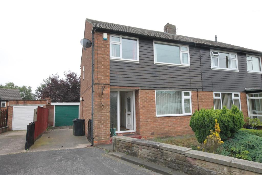 3 Bedrooms Semi Detached House for sale in Lynne Close, Darlington