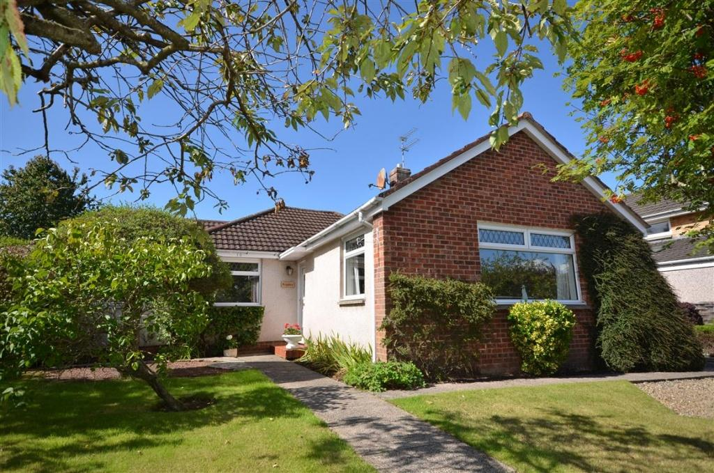 2 Bedrooms Detached Bungalow for sale in 10 Craighall Place, Alloway, KA7 4XD