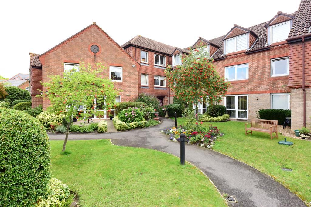 1 Bedroom Retirement Property for sale in Springfield Meadows, Weybridge, Surrey, KT13