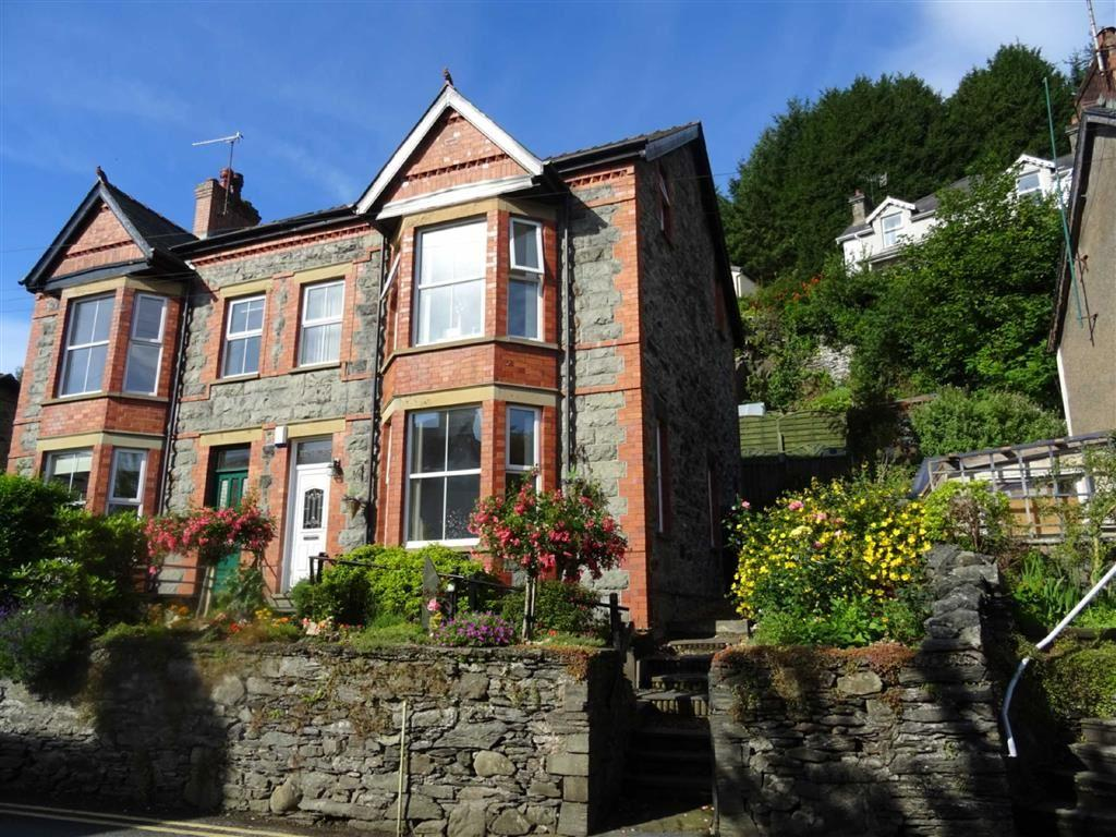 5 Bedrooms Semi Detached House for sale in Trefriw, Conwy