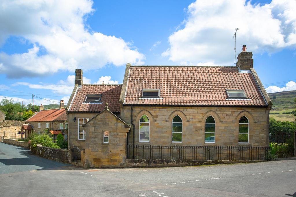 4 Bedrooms Unique Property for sale in Low Mill, Farndale, Kirkbymoorside, York YO62