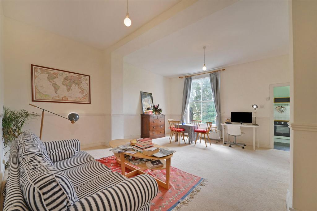 2 Bedrooms Flat for sale in Highbury New Park, Highbury, London