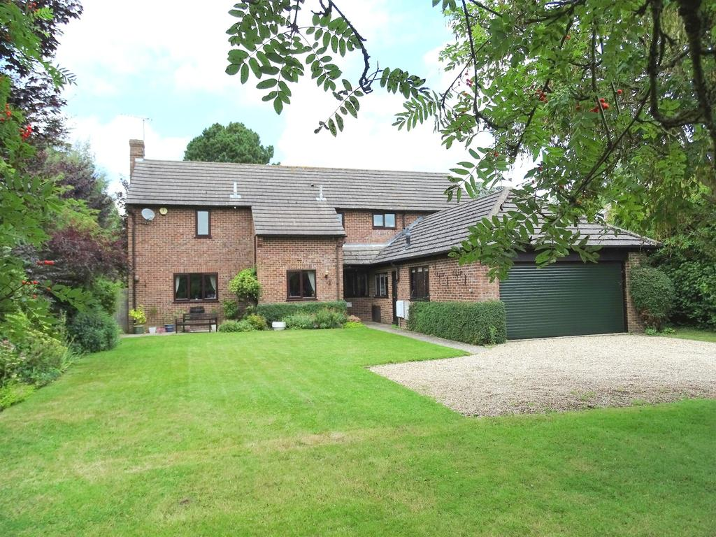 5 Bedrooms Detached House for sale in Goodwood Gardens, Chichester