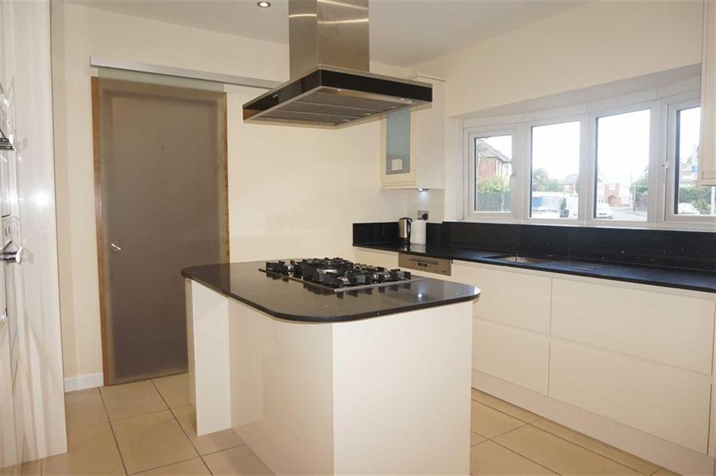 4 Bedrooms Detached House for sale in Ryde Avenue, Knighton, Leicester