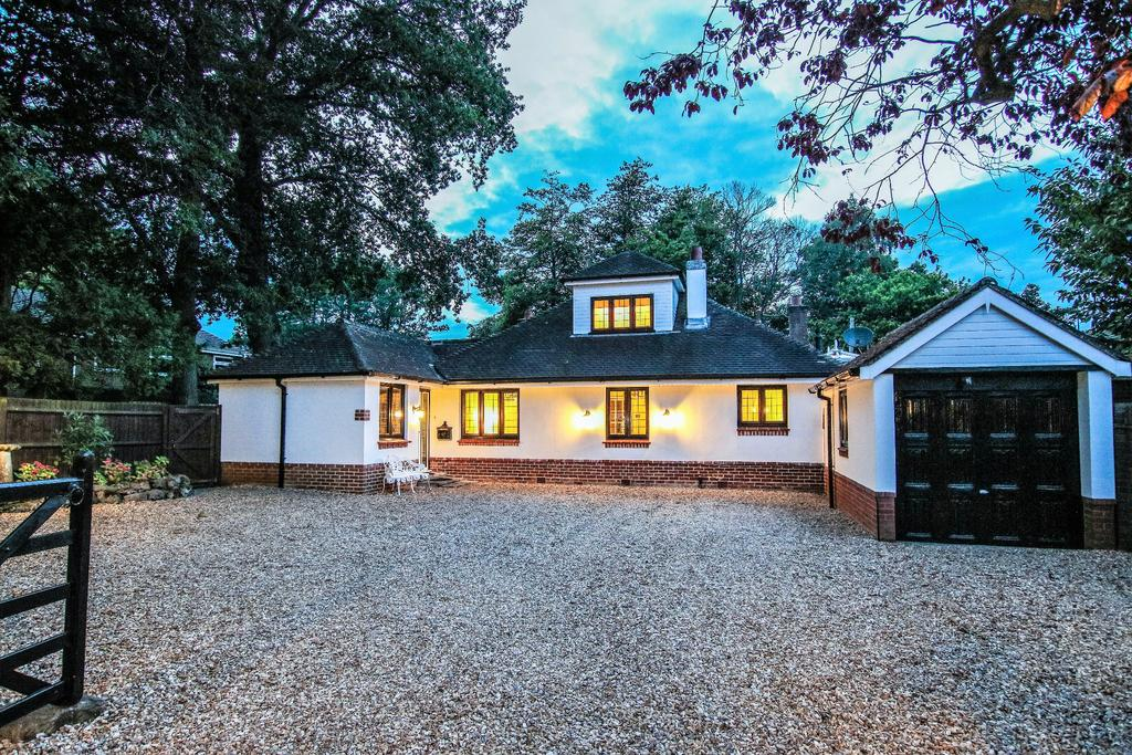 5 Bedrooms Chalet House for sale in West End, Southampton