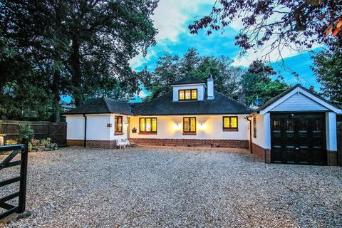 5 bedroom chalet for sale - West End, Southampton