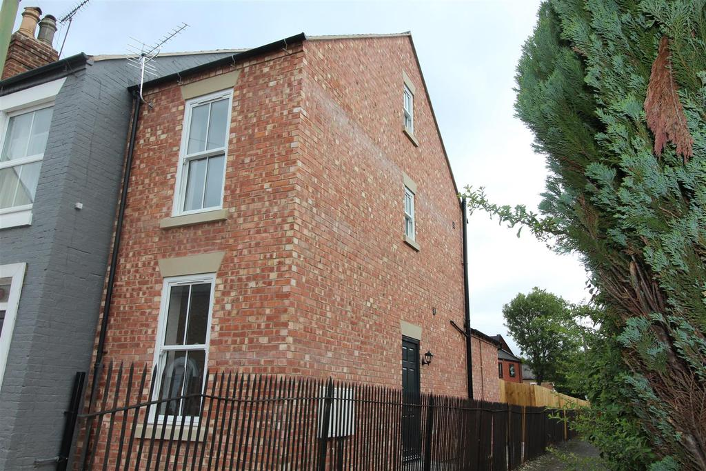 2 Bedrooms Town House for sale in New Park Street, Shrewsbury