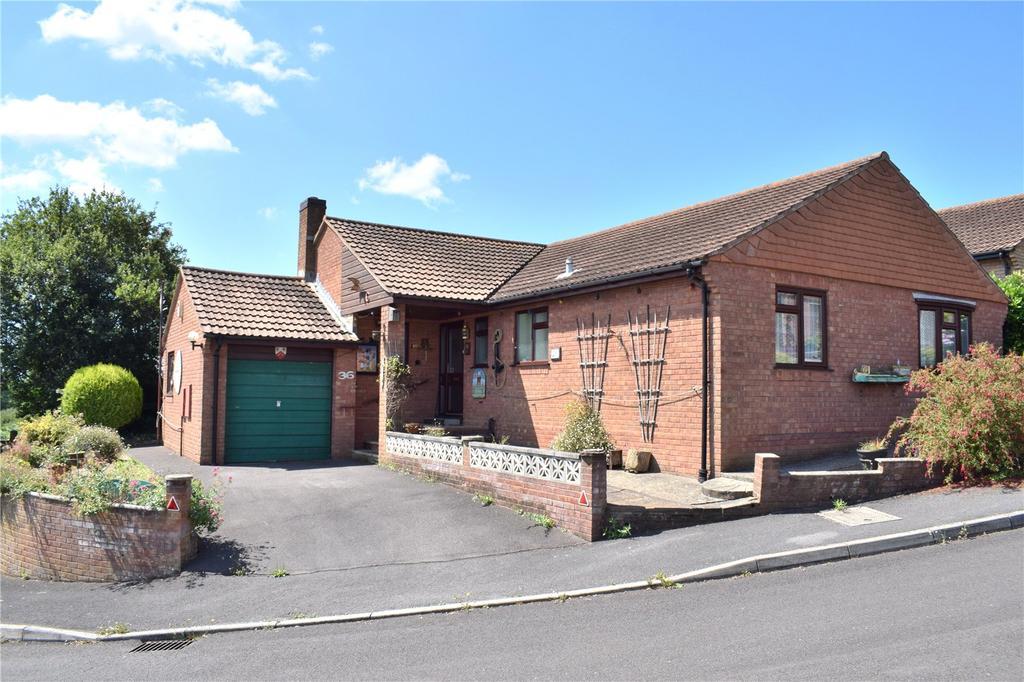 3 Bedrooms Bungalow for sale in Watton Park, Bridport, Dorset