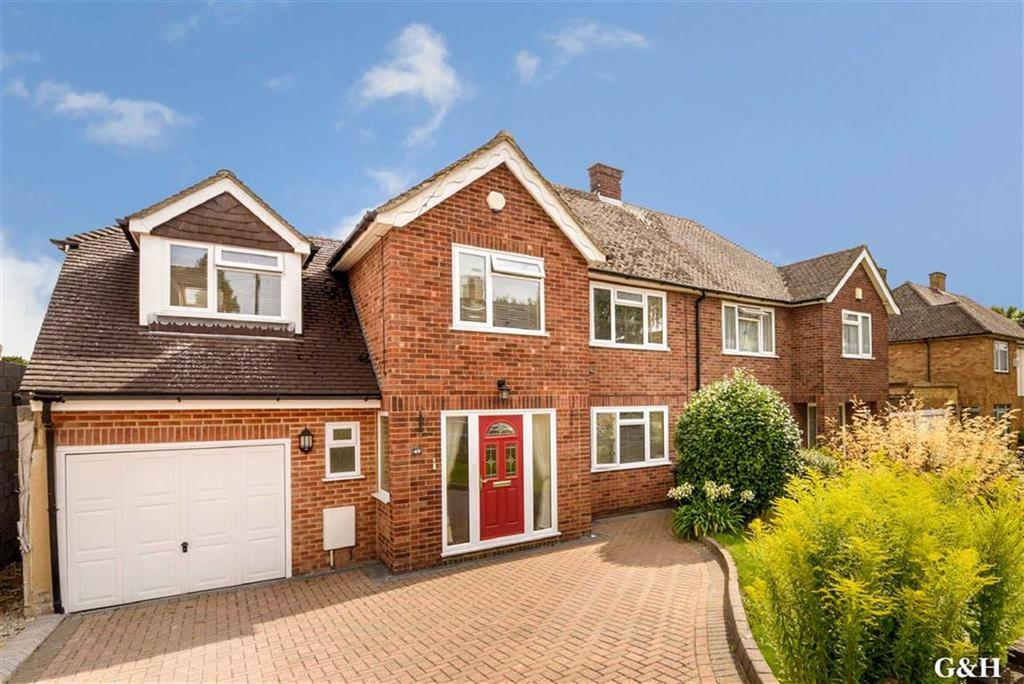4 Bedrooms Semi Detached House for sale in Upper Queens Road, Ashford, Kent