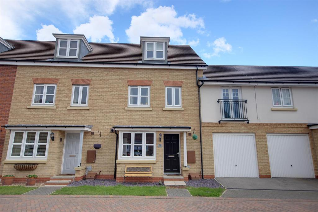 4 Bedrooms Town House for sale in Munstead Way, Welton, Brough
