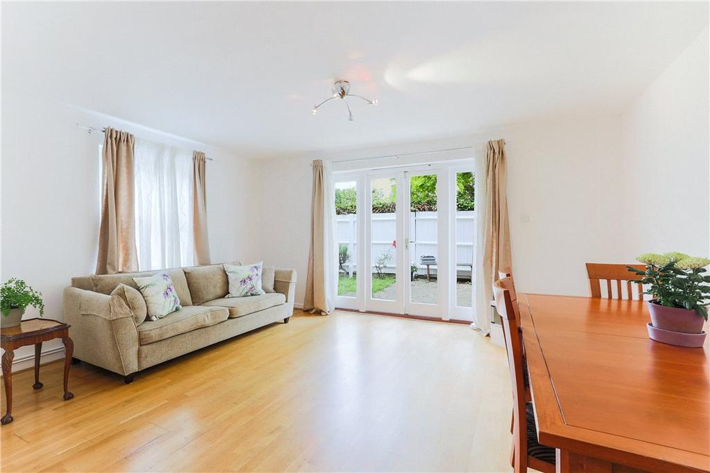 3 Bedrooms Semi Detached House for sale in Garford Street, London, E14
