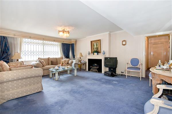 4 Bedrooms Flat for sale in SUSSEX SQUARE, HYDE PARK, W2