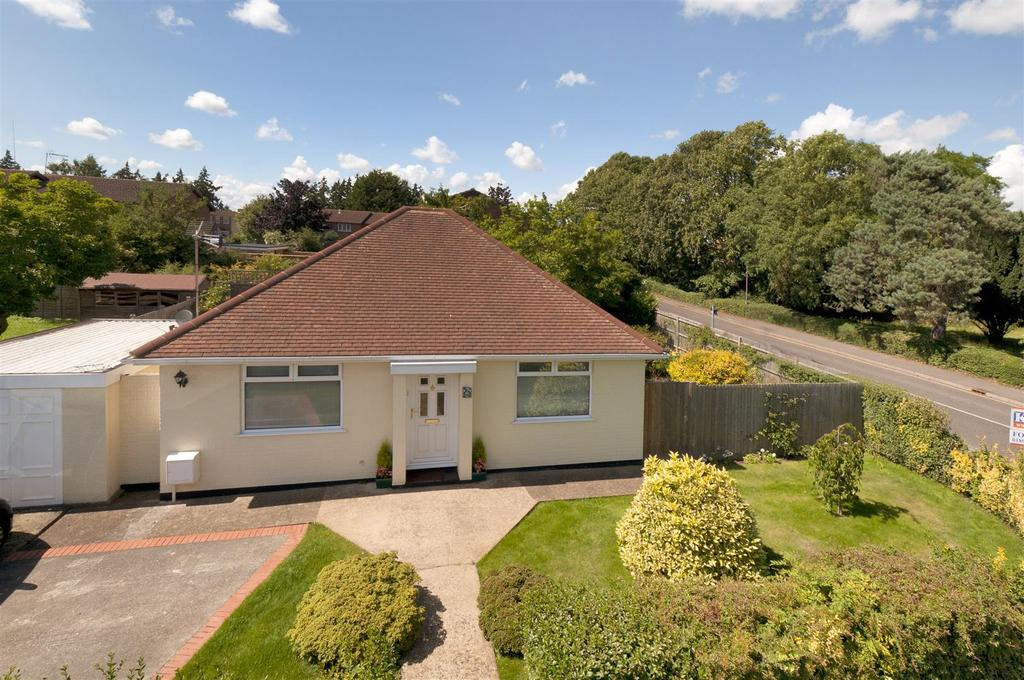 3 Bedrooms Bungalow for sale in St. Andrews Road, Paddock Wood